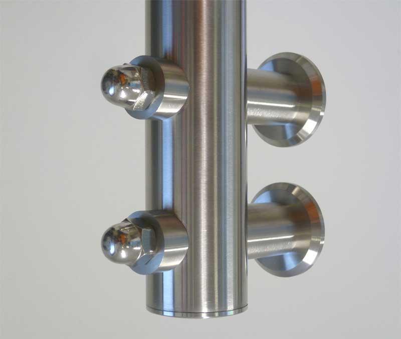 FISSAGGIO LATERALE PER TUBO, INOX AISI 304,  A 2 PUNTI CON DADO CIECO - esempio di installazione