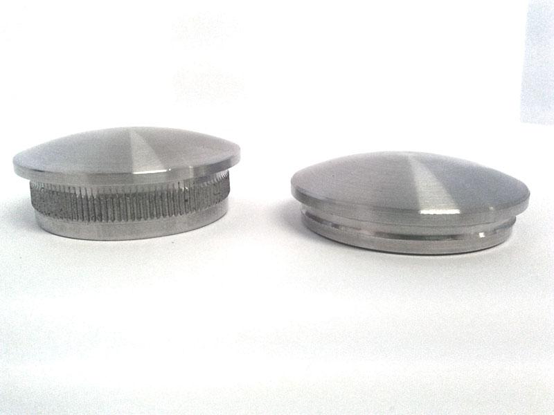 03. Differenza tra i tappi leggermente bombati con innesto normale (art. 61095 a sx)e ridotto(art.61255 a dx)